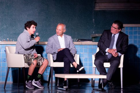 Saverio Montingelli chiacchiera con Niccolò Antonelli e Eraldo Pecci